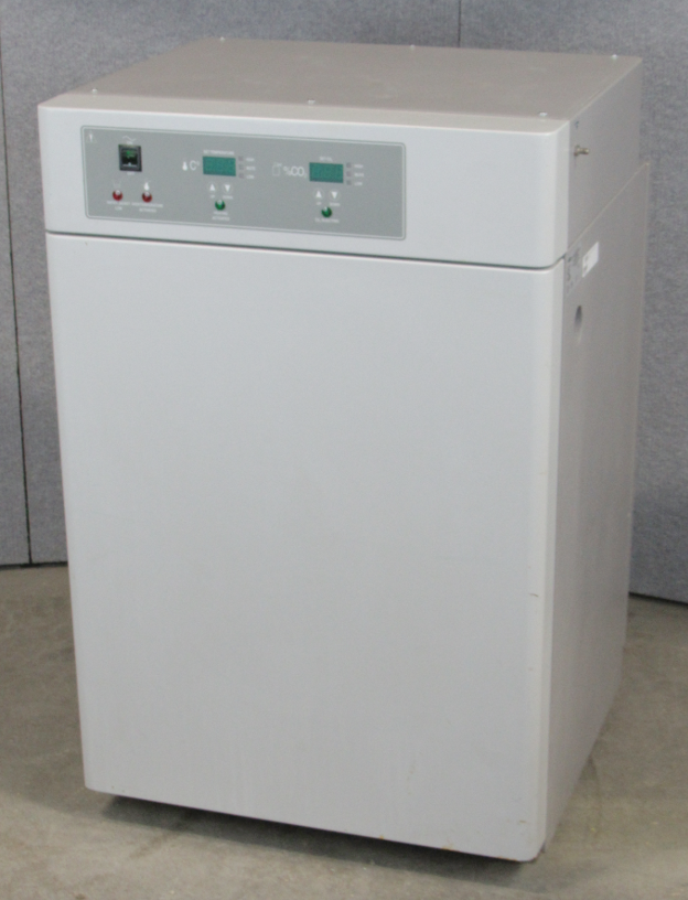 VWR Sheldon 2300 Water Jacketed CO2 Incubator